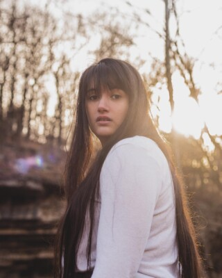If you ever get the urge to be a forest fairy for a day, hit my gurl up @bekahthehedgephoto for some photos! You won't be disappointed (or laugh harder in your life) ❤️  📸 — @bekahthehedgephoto